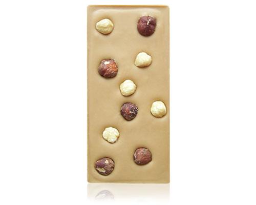 Karamelchocolade met hazelnoten