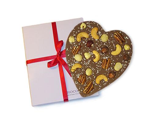 Hart-van-melkchocolade-met-noten