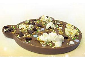 Beer van melkchocolade met decoratie