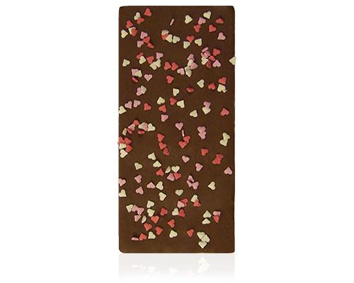 Chocolade met mini suikerhartjes